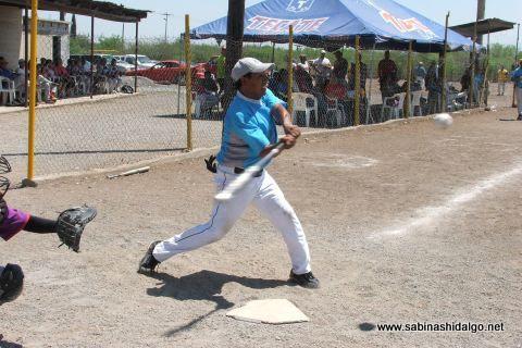 Jorge García de Cerveceros en el softbol del Club Sertoma