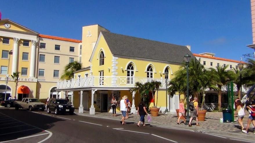 В Nassau, столице Багамских островов
