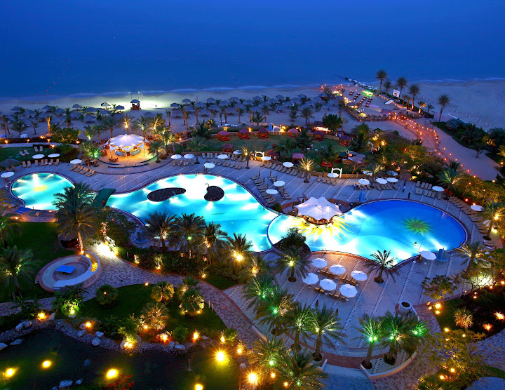 Le Meridien Al Aqah Beach Resort nightview