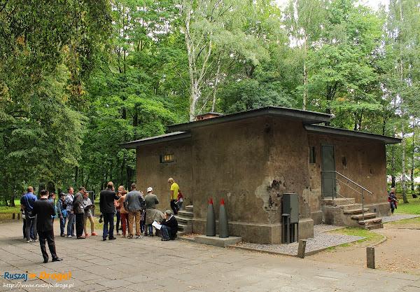 Gdańsk Westerplatte - kolejka do ekspozycji w Wartowni nr 1