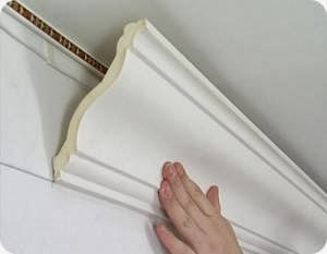 Установка потолочного плинтуса своими руками