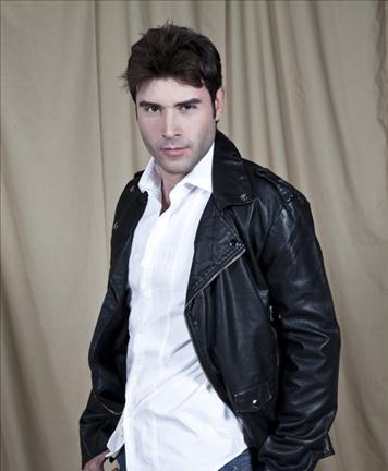 Jonathan Montenegro Photo 19