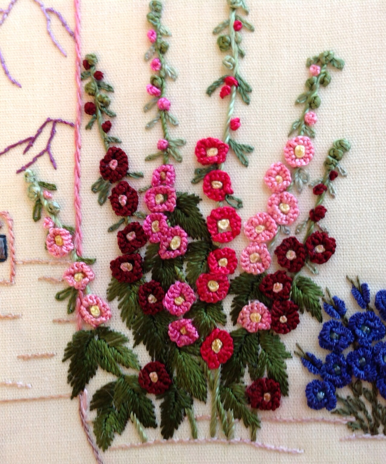 Again The Choice Of Thread, In This Case, Lola, The Thickest Of The Smooth  Brazilian Embroidery Threads, Made This Element Both Pretty And