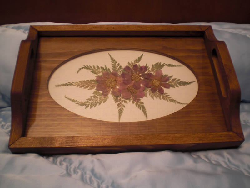 Blog de una manchega bandejas de madera decoradas con for Bandejas de madera decoradas