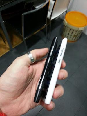 N9vsLumia800-4