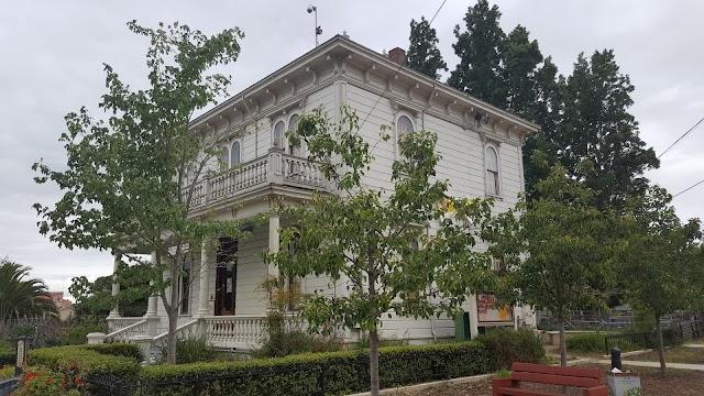 Peralta Hacienda Historical Park