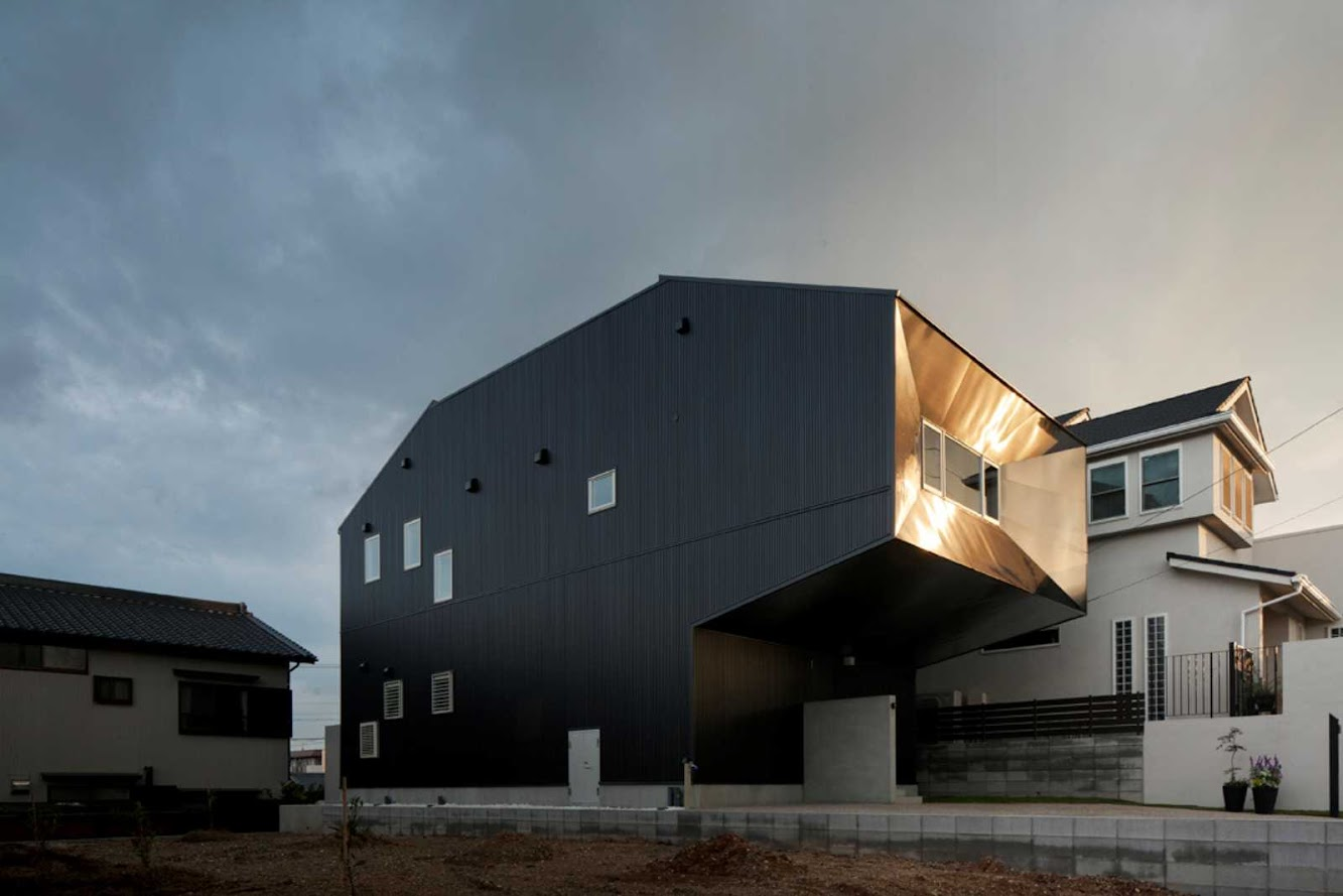 Nagoya, Prefettura di Aichi, Giappone: Hansha Reflection House by Studio Sklim