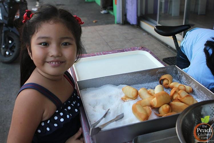 Street Donut | www.thepeachkitchen.com