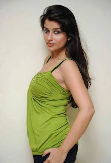 Latest Sweet Showing MADHURIMA HOT SOUTH GIRL PICTURES Beautyful