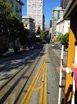 Mit einem Cable Car die California Street hinunter - unbezahlbar! :-)