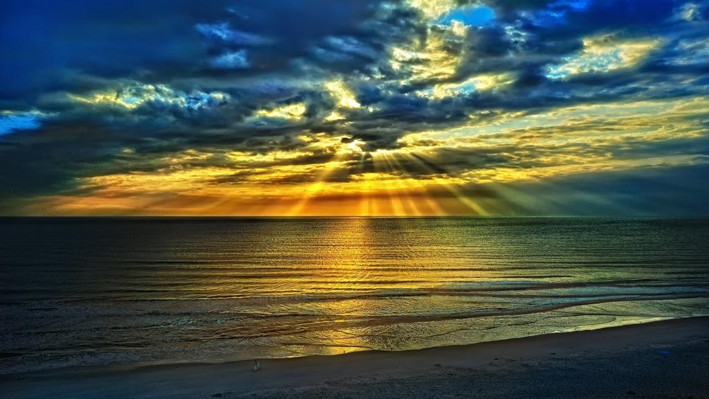 Thơ bình minh trên Biển