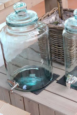 Menaje de cristal para decorar la mesa.