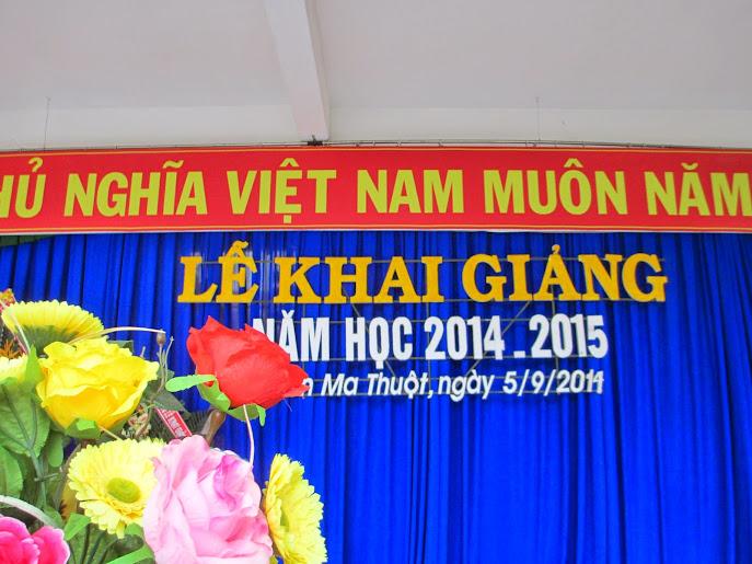 Trường THPT Buôn Ma Thuột tổ chức khai giảng năm học mới 2014-2015