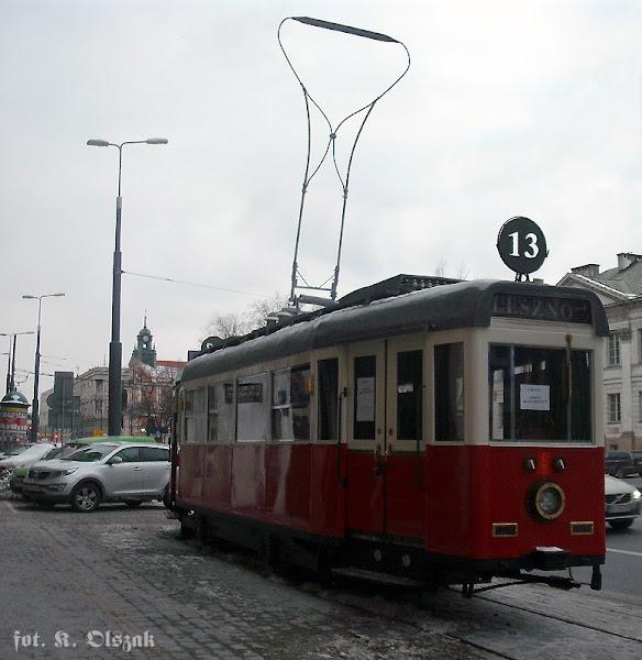 Wagon K przed Teatrem Kamienica