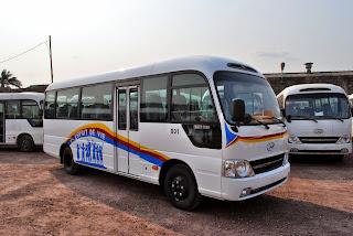 Les véhicules Hyundai que le gouvernement congolais offre à crédit aux exploitants privés du transport en commun de Kinshasa, membres de l'APVCO. (Le 18/08/2014). Ministère des Transports/Ph. Bowule