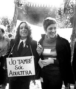 Maruja Torres i Montserrat Roig. Manifestació Feminista, 1976