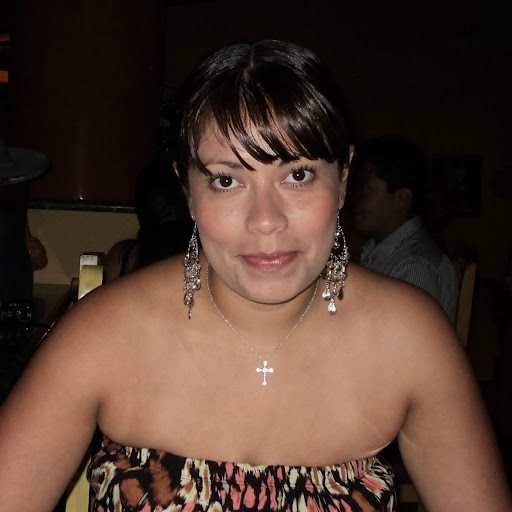 Esmeralda Enriquez Photo 12
