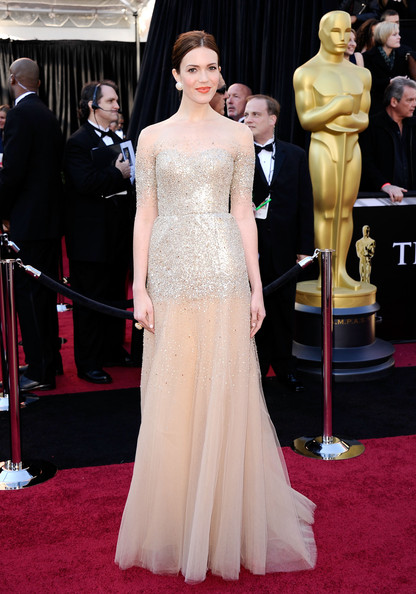 2011 Oscars: Mandy Moore in Monique Lhuillier