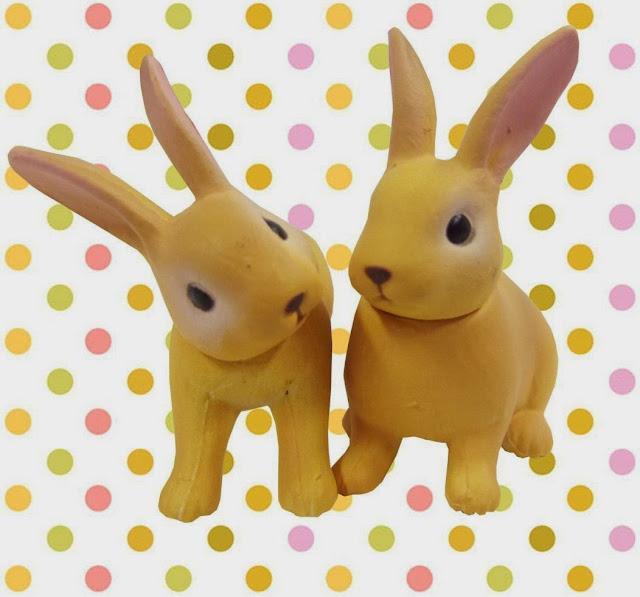 2 mô hình Thỏ Rabbit Ania AS-12 có khả năng xoay được đầu