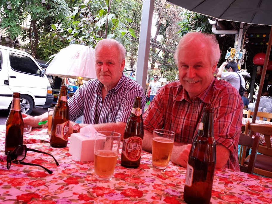 Bier drinken in Bangkok