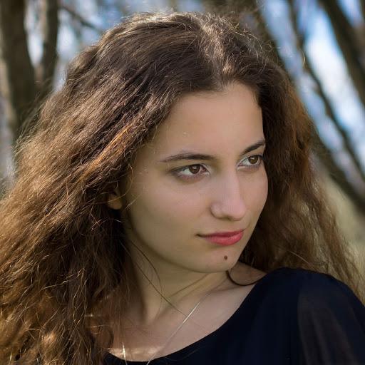Simona Mihalca Photo 2