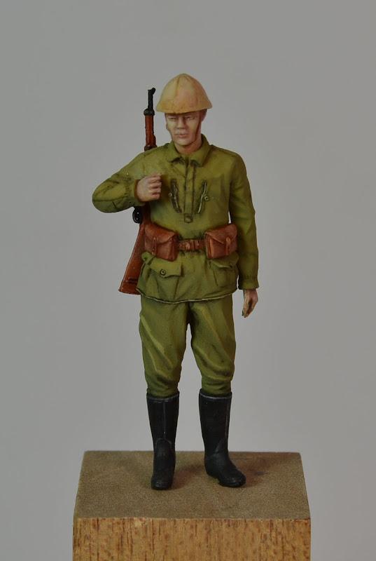 Corps Franc, tenue modèle 40 (sculpture 1/35°) Terminé - Page 2 DSC_0010