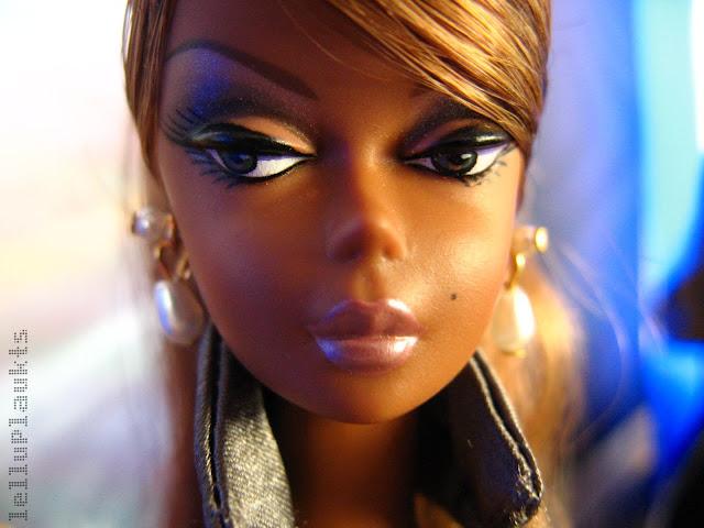 Silkstone Barbie: Fashion model collection. IMG_2454