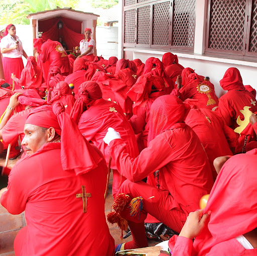 Diablos de Yare penitentes en el día de Corpus Christi en San Francisco de Yare, Municipio Bolivar, Miranda Venezuela