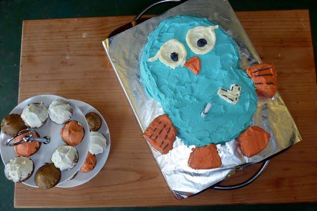 hoot the owl birthday cake