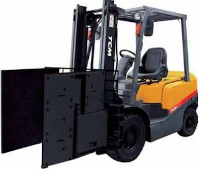 Xe nâng TCM kẹp thùng carton Nhật Bản