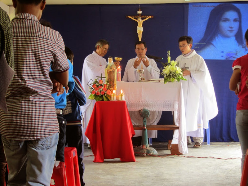 Đồng Hộ trong những ngày bổn mạng các Giáo họ