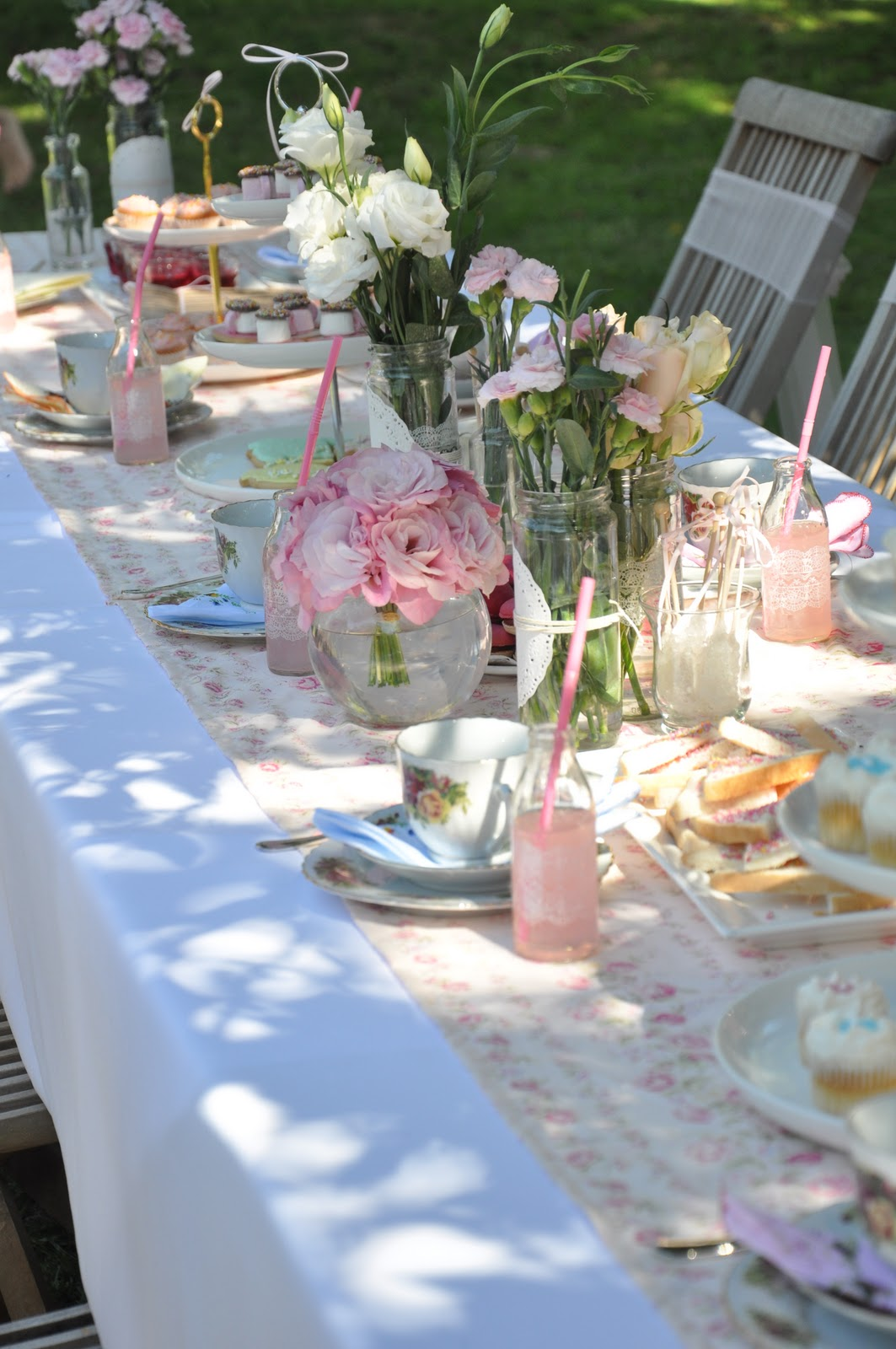 little sooti real parties vintage tea garden party. Black Bedroom Furniture Sets. Home Design Ideas