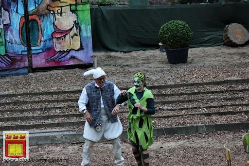 Alice in Wonderland, door Het Overloons Toneel 02-06-2012 (23).JPG