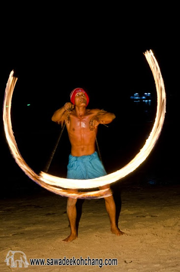 Fire show in Klong Prao beach - Koh Chang