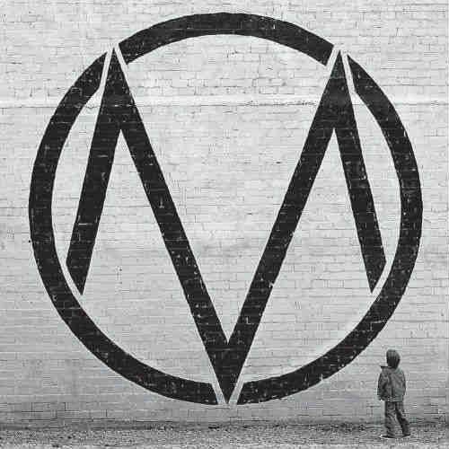 The Maine Black & White