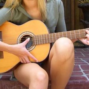 [Hình: dan-guitar-classic1-300x300.jpg]