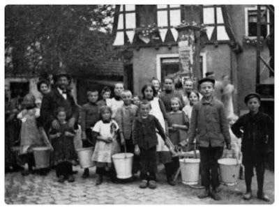 Dorfpumpe 1911. Foto: H. Diekmann.