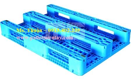 Pallet nhựa Malaysia nhập khẩu EN2-1208