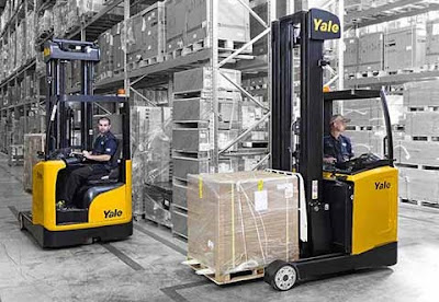 Yale Reach Truck tầm cao