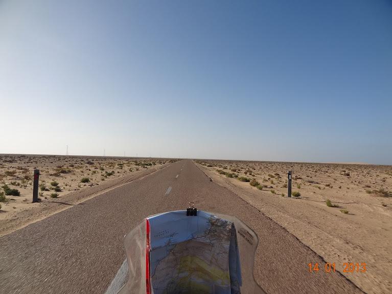 Marrocos e Mauritãnia a Queimar Pneu e Gasolina - Página 5 DSC05791