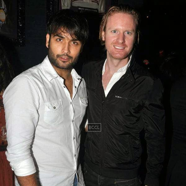 Vivian Dsena and Alexx O'Nell attend Ankit Tiwari's live concert, held at Hard Rock Cafe, on July 11, 2014.(Pic: Viral Bhayani)
