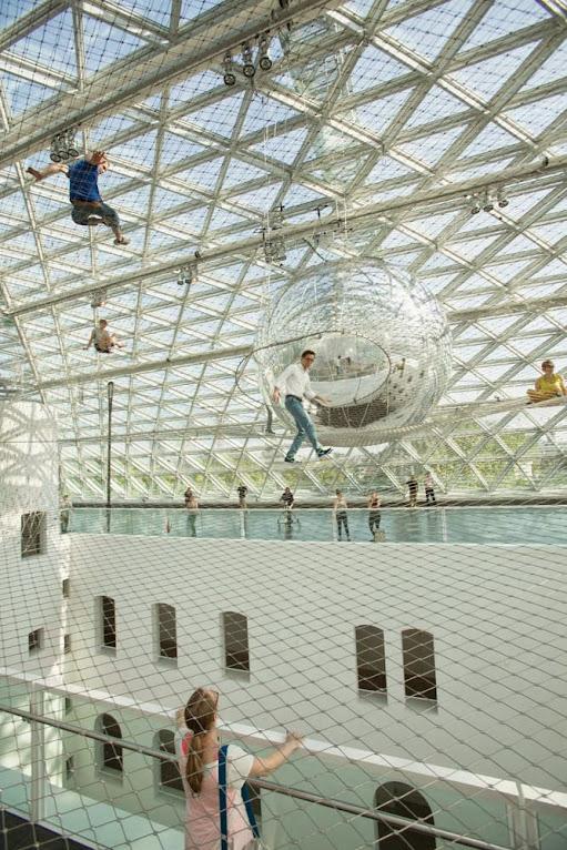 *阿根廷藝術家 Tomas Saraceno 最新力作:感覺像是蜘蛛一樣行走在網路上 2