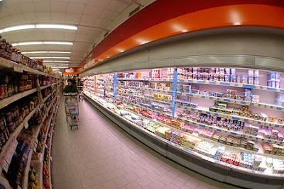 50% dos brasileiros lê rótulo antes de comprar produto