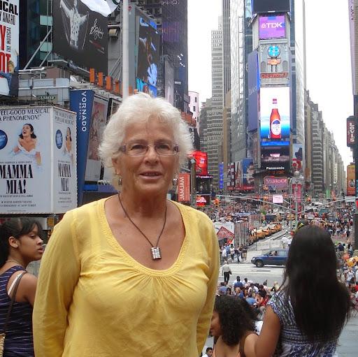 Dolores Lara Photo 16