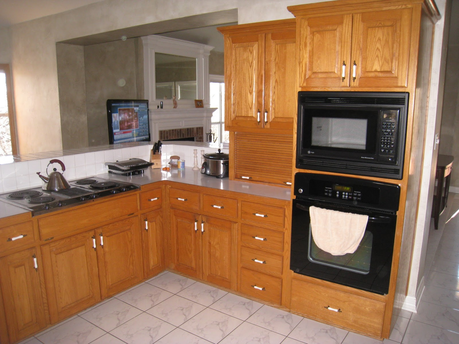 Decorator On Demand: All You Need Is Kitchen Cabinet Love. Full resolution‎  img, nominally Width 1600 Height 1200 pixels, img with #9F622C.