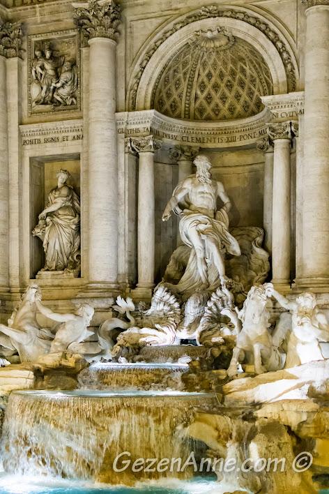 Trevi (Aşk) çeşmesi, Roma