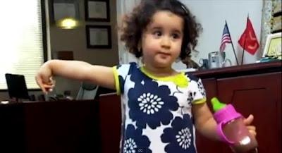 米フロリダの空港で一歳半の赤ちゃんがテロリストと間違えられ搭乗機から降ろされる。