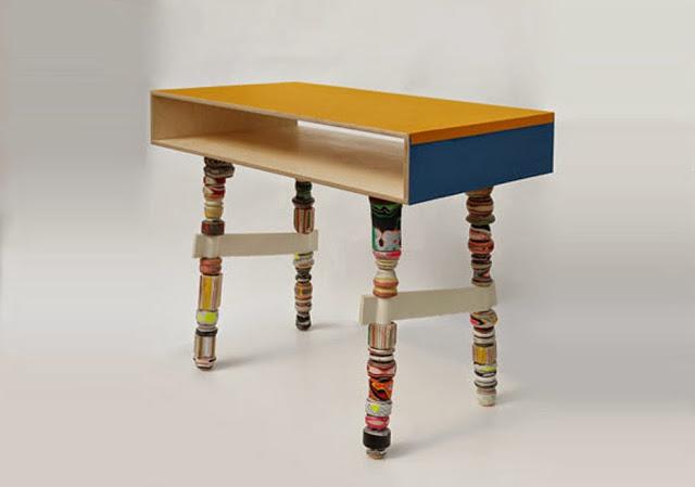 Gabinete de madera y papel, de Utopia & Utility
