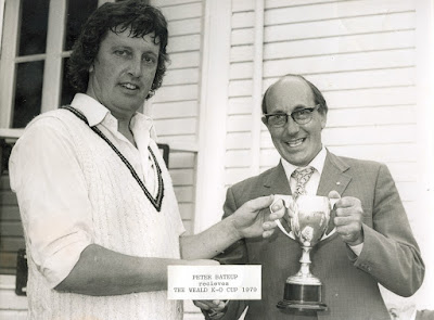 1979 Peter Bateup receives the Weald Cup