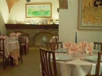 Il Pino, Via Cellolese, 6, 53037 San Gimignano SI, Italy